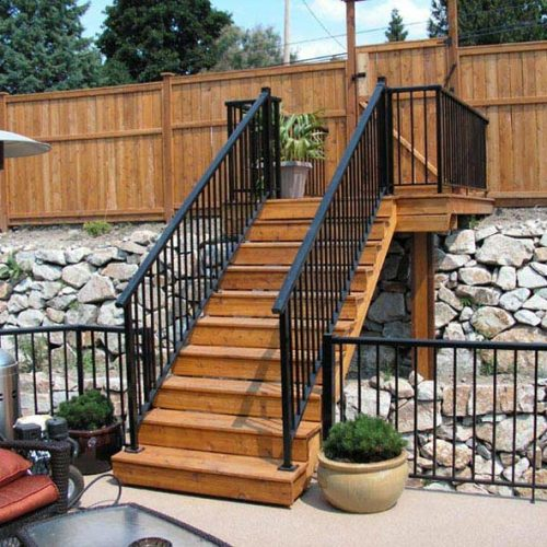 aluminum-railing-installation-services-by-vinyl-fence-toronto