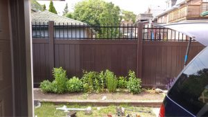 vinyl-fence-vaughan-brown-lattis-vinyl-fencing-installation-services-by-vinyl-fence-toronto