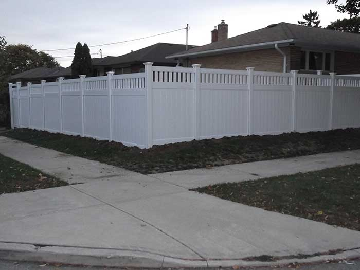 Vinyl Fencing With Picket and-gate-insstalled-in-brampton-street-view-by-vinyl-fence-toronto